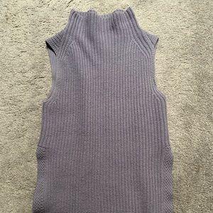 Wilfred size XS sleeveless tunic sweater